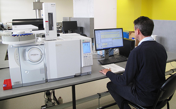 Central Queensland Innovation and Research Precinct Lab Equipment and worker