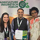 CQUni Alumnus Parampreet Singh receives his winning prize in the Agriculture Insuretech Innovation Challenge organised by the World Bank Global Index Insurance Facility.